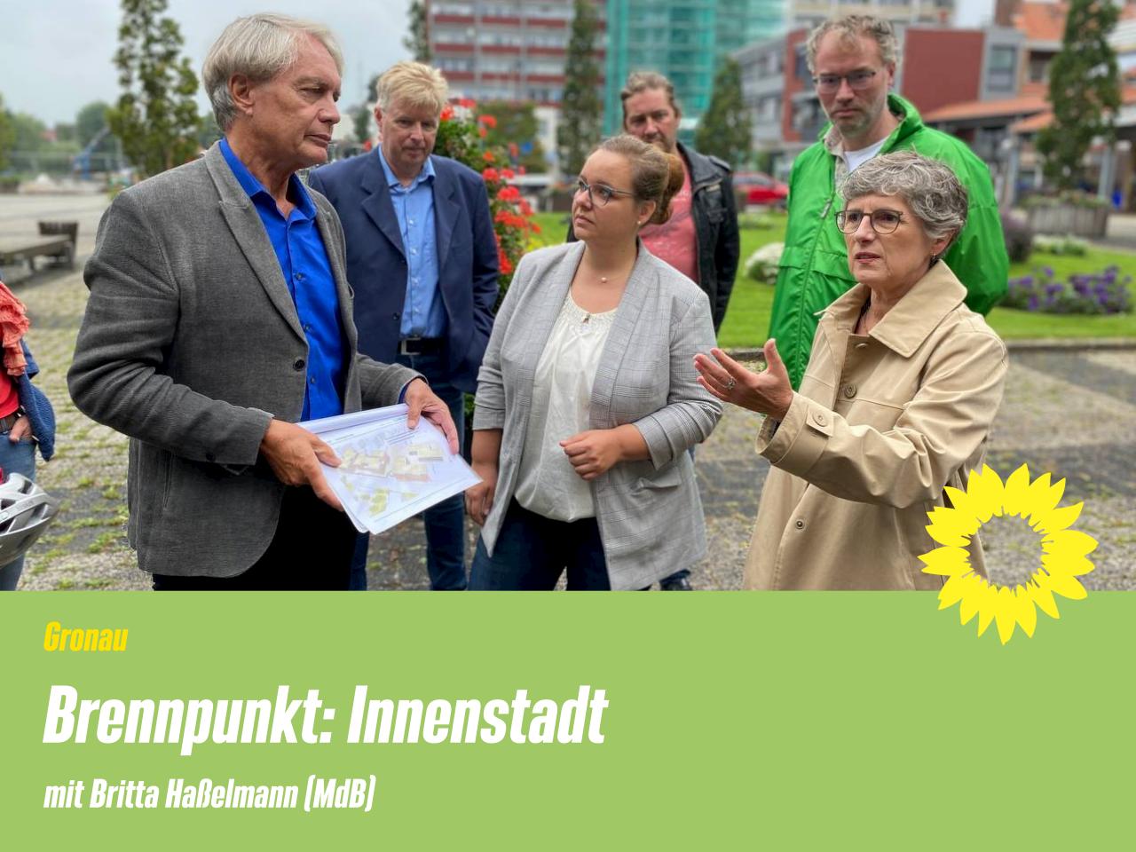 Stadtspaziergang in Gronau mit Britta Haßelmann (MdB)